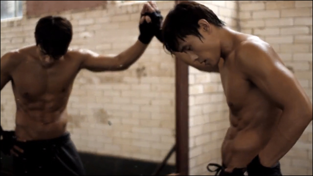 Totally Gratuitous Lee Byung Hun Workout Video